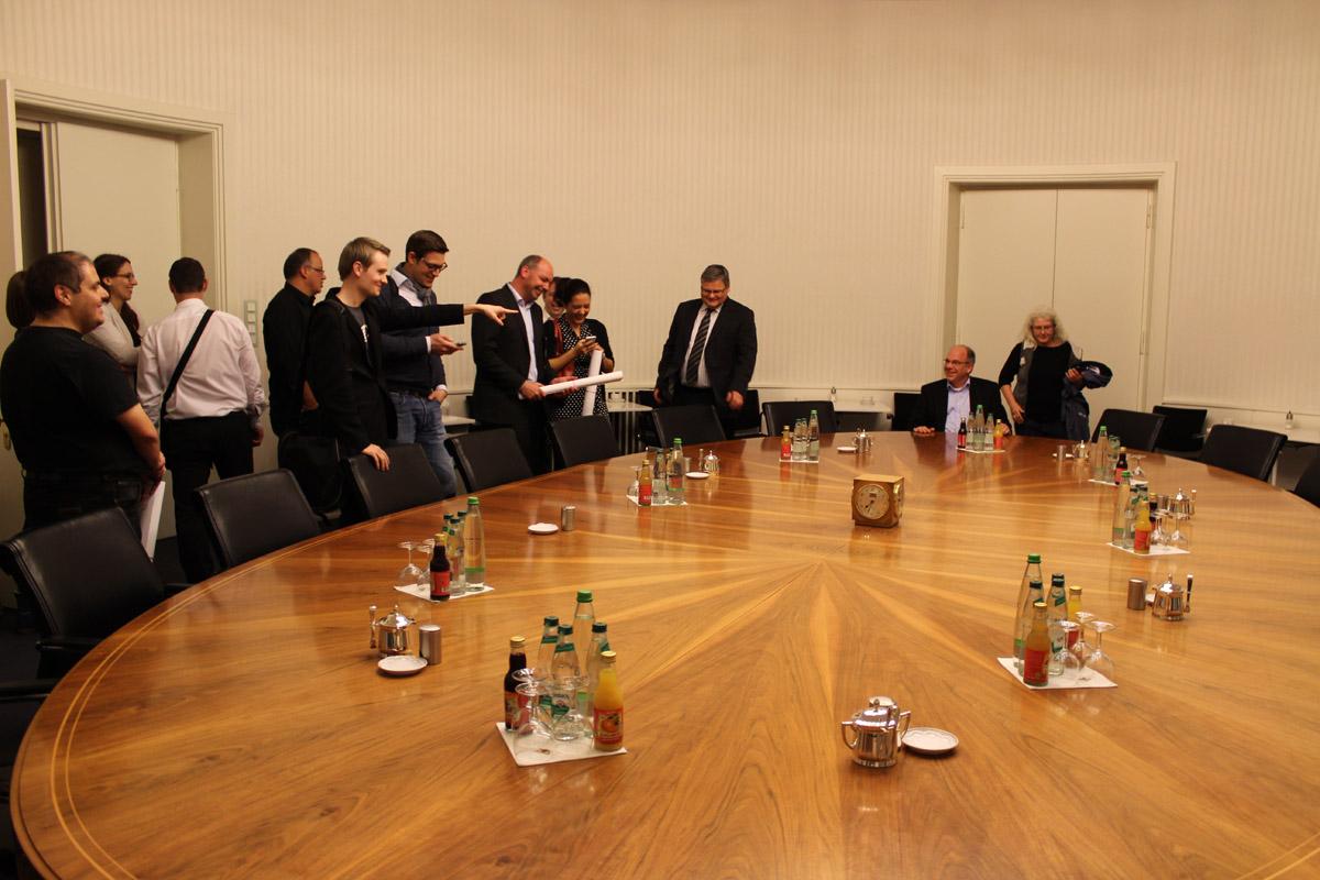 Runder Tisch in der Villa Reitzenstein